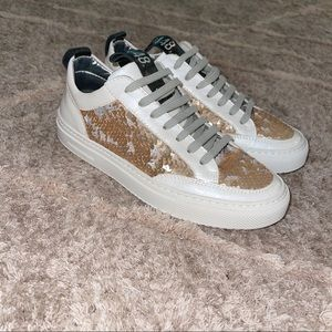 P448 Soho Gold Sequin Leather Lace Up Sneakers| 6